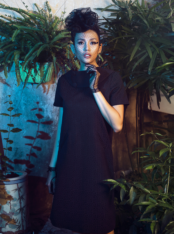 Võ Hoàng Yến hóa quý cô cổ điển cùng trang phục đen - ảnh 5