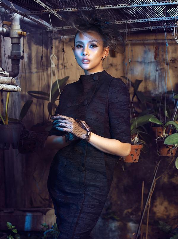 Võ Hoàng Yến hóa quý cô cổ điển cùng trang phục đen - ảnh 8