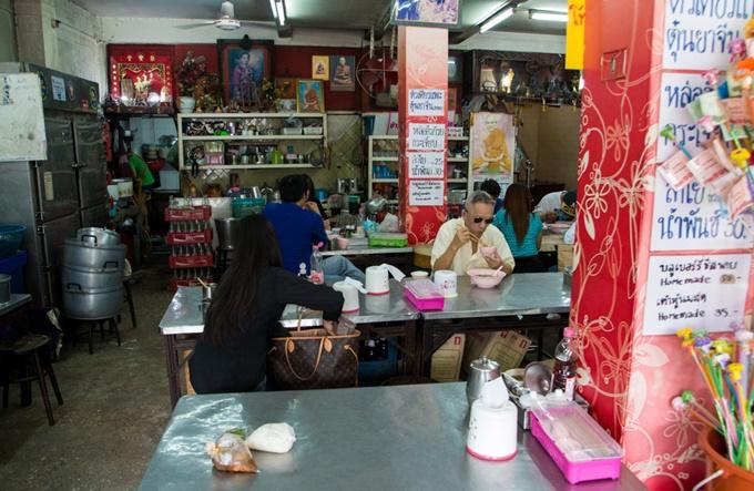 noi-hu-tieu-bo-kho-khong-lo-dat-khach-o-bangkok-2