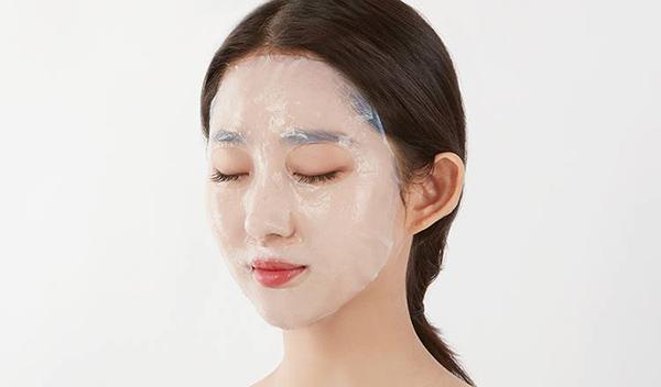 Chỉ nên đắp mặt nạ giấy từ 1 - 2 lần mỗi tuần.