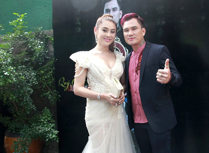 lam-khanh-chi-ban-ron-chay-show-truoc-ngay-cuoi