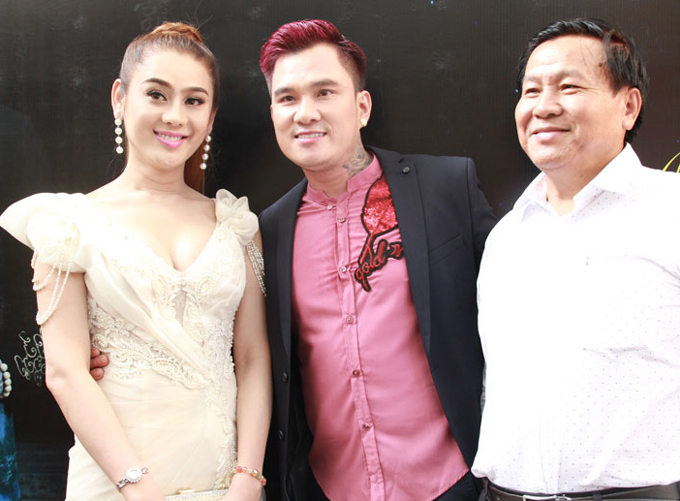 lam-khanh-chi-ban-ron-chay-show-truoc-ngay-cuoi-1