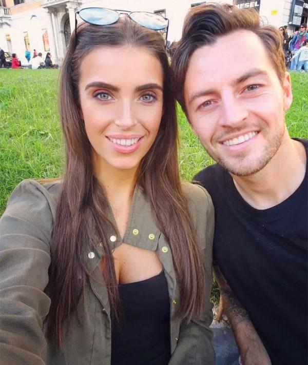 Tiền vệ Hull City cầu hôn bạn gái Rachel Peters