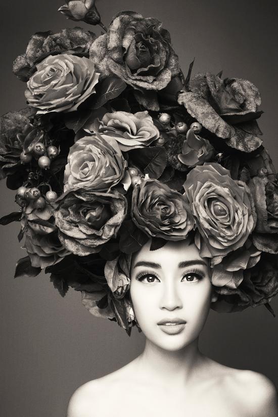 32 Nàng Thơ của Đỗ Mạnh Cường bán nude cùng hoa trong The Muse 2