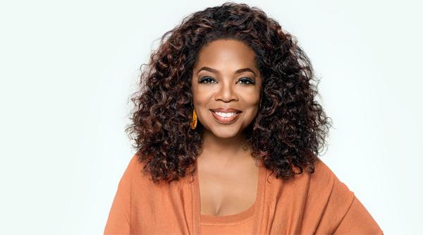 Oprah Winfrey - MC được mệnh danh là Nữ hoàng truyền thông Mỹ hiện sở hữu khối tài sản 2,8 tỷ USD. Bà là người phụ nữ duy nhất lọt vào top 10 ngôi sao giàu nhất xứ sở cờ hoa. Ở tuổi 63, Oprah tiếp tục kiếm bộn tiền nhờ kênh truyền hình OWN.