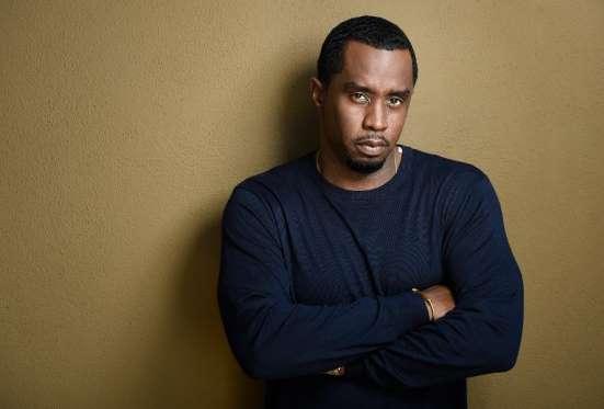 Rapper kiêm diễn viên Diddy đang có khối tài sản 820 triệu USD. Mặc dù điều hành hãng thu âm Bad Boy nhưng sự giàu có của Diddy lại đến từ những lĩnh vực khác. Anh kiếm được khoản tiền khổng lồ nhờ ký hợp đồng với Ciroc vodka và cũng sở hữu một nửa.