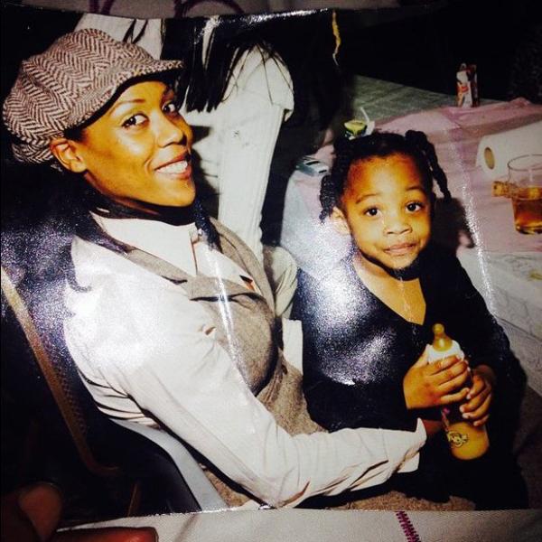 Cô con gái của Blake từ cuộc hôn nhân trước cũng đen như mẹ. Ảnh: Feature World