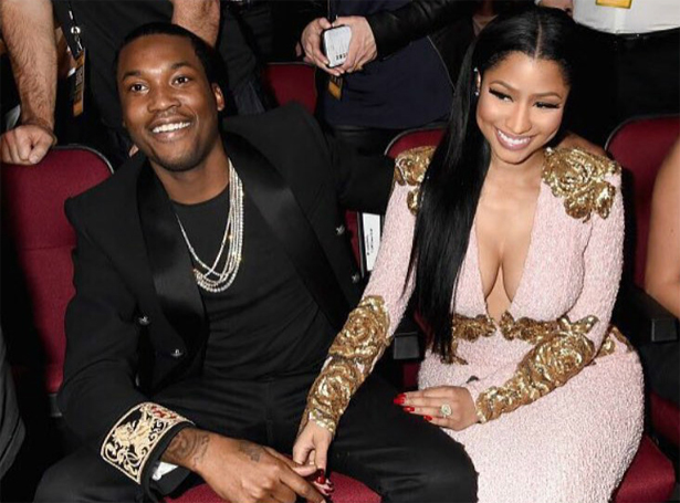 Nicki Minaj và bạn trai kém 5 tuổi Meek Mill lặng lẽ đường ai nấy đi sau 2 năm hẹn hò. Trước đó, Nicki Minaj đã mong sớm kết hôn và sinh con nhưng dường như bồ trẻ của cô vẫn chưa màng đến cuộc sống hôn nhân. Sau một thời gian tan vỡ, đến mùa hè Nicki mới xác nhận thông tin này.