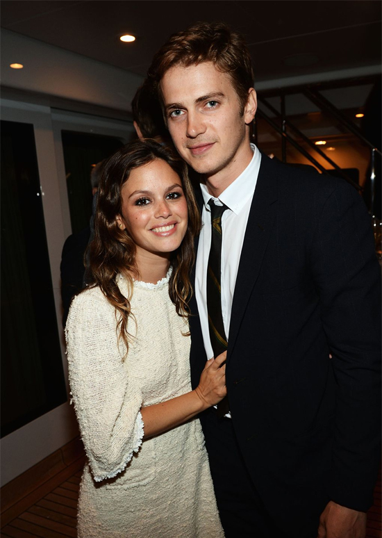 Cặp sao Rachel Bilson và Hayden Christensen hẹn hò từ thời đóng phim Jumper năm 2007. Hai người đã đính hôn và chào đón cô con gái Briar Rose năm 2014. Sau 10 bên nhau, Rachel và Hayden chia đôi ngả đường vào tháng 9/2017.