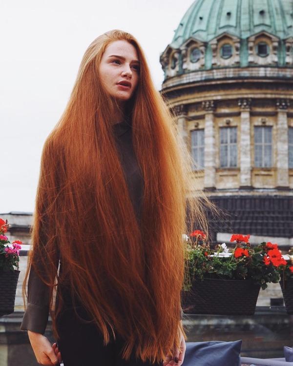 Anastasiya Sidorova, 23 tuổi, người Nga, sở hữu tài khoản Instagram có gần 400.000 lượt người theo dõi.