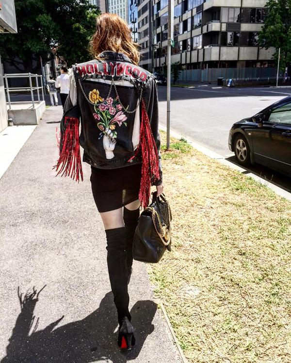 Diện áo khoác sành điệu như Hồ Ngọc Hà - 8
