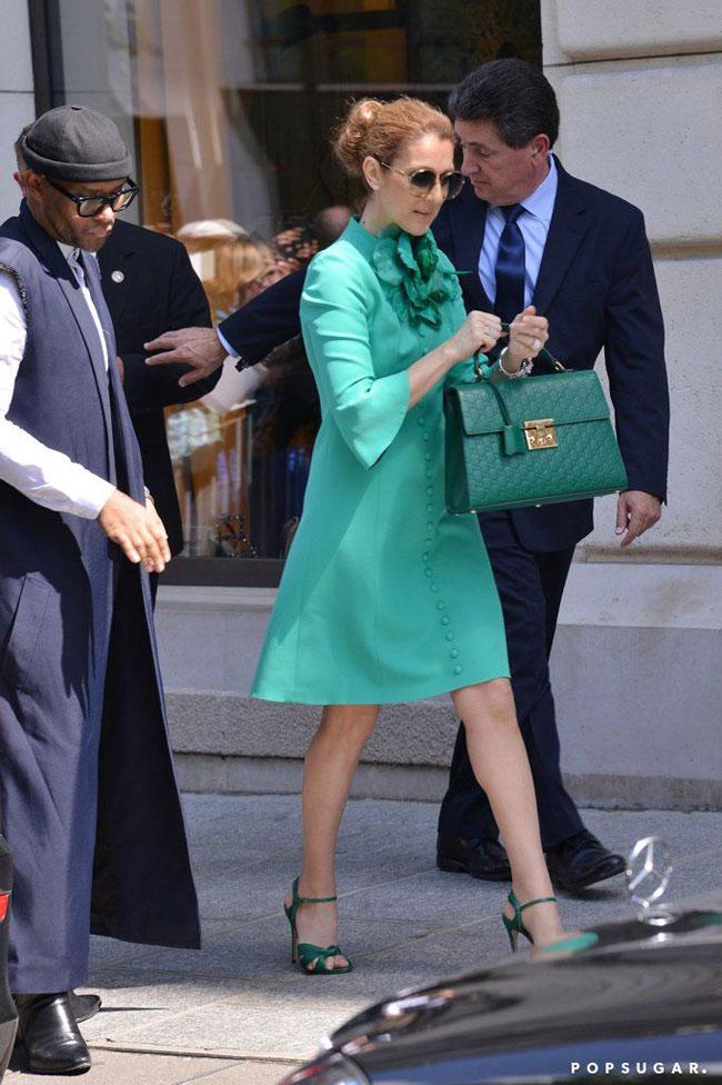 Theo Telegraph, nếu vai trò của stylist chỉ đơn giản là săn lùng những món đồ thời trang cho những khách hàng giàu tiền bạc nhưng nghèo quỹ thời gian thì Law Roach đã làm được nhiều hơn thế. Anh ta thay đổi Celine Dion từ một người ăn mặc quá đỗi đơn giản thành một nàng thơ mới của Vogue ở tuổi 49.