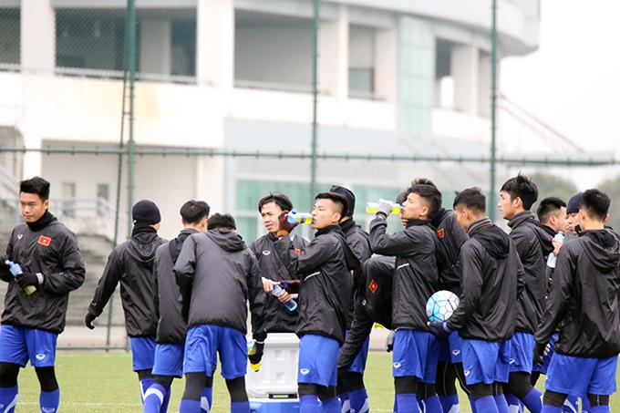 Đây có thể xem là tín hiệu tốt khi toàn đội thích nghivới điều kiện thời tiết tại Trung Quốc, điều mà ban huốn luyện lo lắng trước khi lên đường sang Trung Quốc tập huấn trước thềm vòng chung kết U23 châu Á.