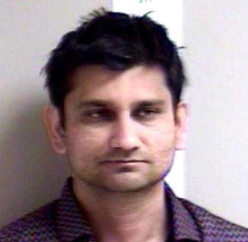 Prabhu bị bắt ngay sau khi máy bay hạ cánh.