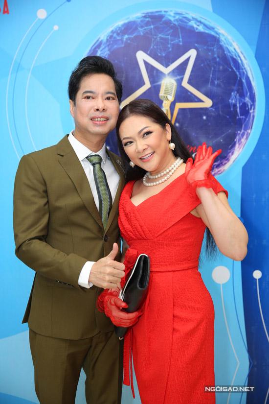 Ngọc Sơn là một trong những khách mời đặc biệt trong liveshow của Như Quỳnh tại TP HCM.