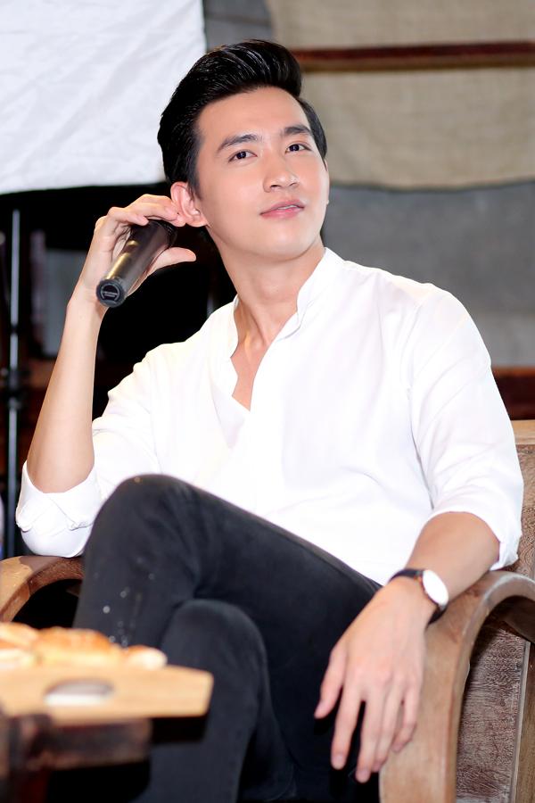 Võ Cảnh hút hồn các fan bởi vẻ điển trai vàtính cách hiền lành, thân thiện.