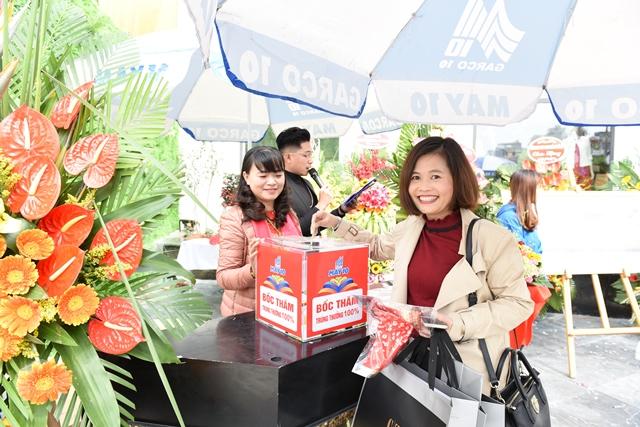 Khai trương trung tâm thời trang cao cấp May 10 Long Biên - 5