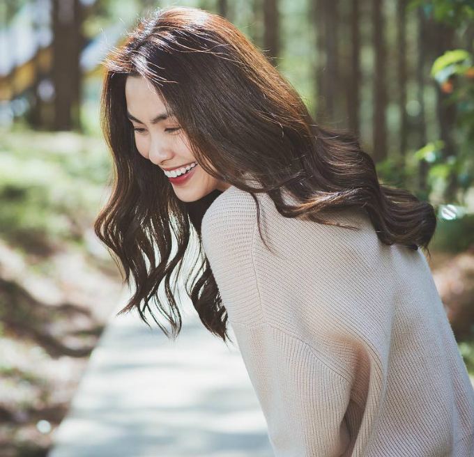 Tăng Thanh Hà chia sẻ: Có những ngày thật nhiều cảm xúc, mọi thứ xung quanh bỗng dưng thật đẹp.