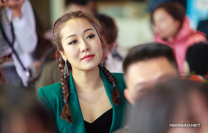 Hoa hậu Ngô Phương Lan cũng đến dự buổi giao lưu của kênh VTV6. Người đẹp đặc biệt quan tâm đến những chương trình khởi nghiệp cho giới trẻ.