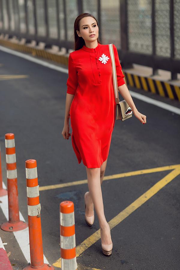 Đầm sơ mi là trang phục được nhà mốt việc khai thác một cách tối đa ở bộ sưu tập dành cho mùa xuân 2018.