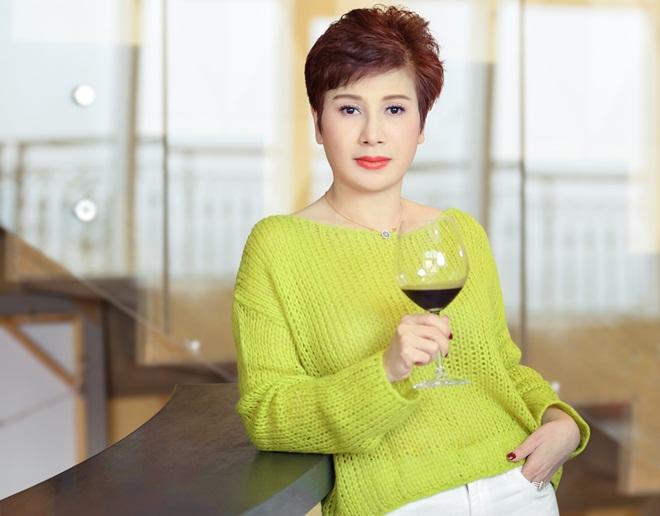 Bà Đặng Thanh Hằng (51 tuổi) - Chủ tịch tập đoàn Thanh Hằng - cố vấn sắc đẹp Hoa hậu Việt Nam.