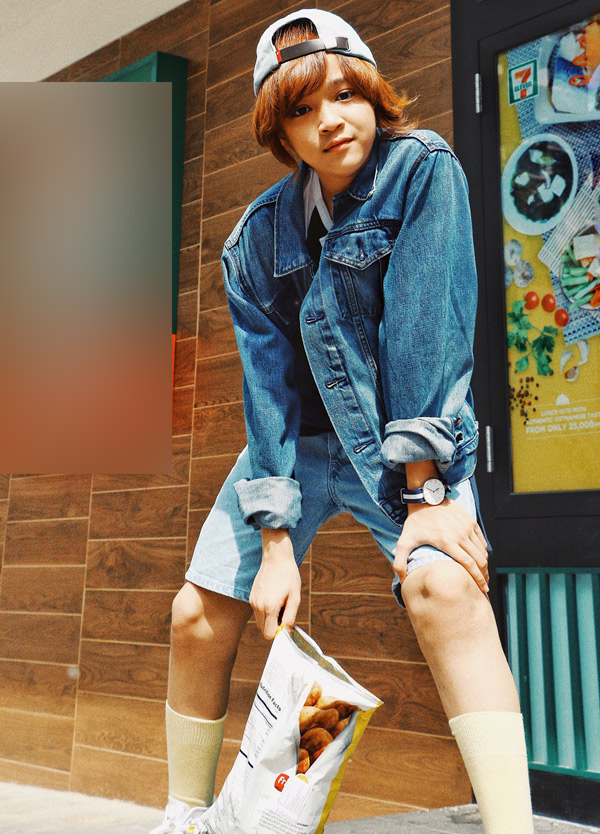 Quán quân Vietnam Idol Kids vẫn trung thành với kiểu tóc Maika. Thiên Khôi được nhiều khán giả khen đẹp trai, có phong cách của soái ca nhí.