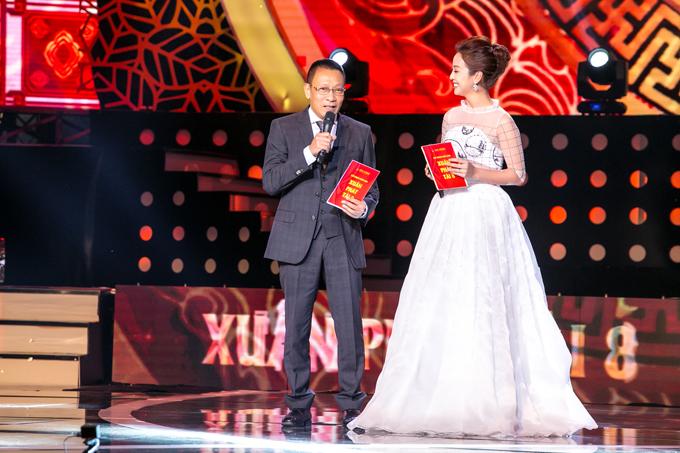 Trên sân khấu của Xuân phát tài 8, cả hai đã mang lại nhiều tiếng cười vui vẻ cho khán giả.