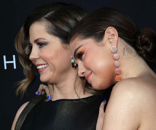 Hai mẹ con Selena vốn rất tình cảm, thân thiết với nhau.