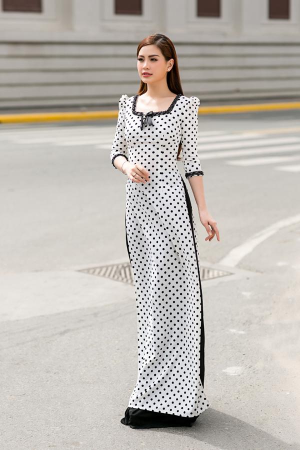 Một trong những điểm nhấn ấn tượng trong xu hướng áo dài 2017/2018 là sự hồi sinh của phong cách áo dài cổ điển thập niên 70 - 80.