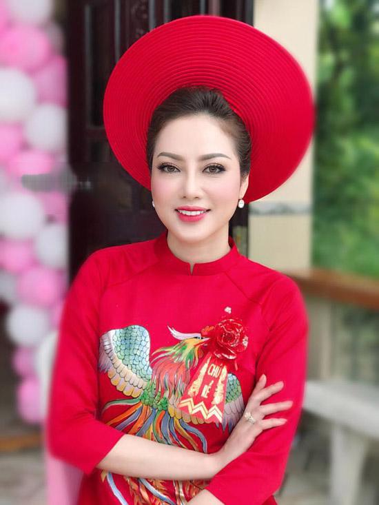 Theo tiết lộ của một người bạn, Huỳnh Tiên - vợ Lâm Vũ là Việt kiều Mỹ và bằng tuổi nam ca sĩ. Cô đang hoạt động kinh doanh tại Mỹ.