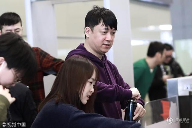 6 năm trước, Phan Việt Minh ly dị Đổng Khiết. Sau khi chia tay, anh sống độc thân, dù nhiều tin đồn cho hay anh đã có bạn gái mới. Cũng giống như chồng cũ, Đổng Khiết không tái hôn, cô sống với con trai ở nhà bố mẹ đẻ. Hai năm trở lại đây, cô mới tái xuất màn ảnh.