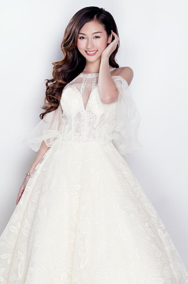 DJ Quỳnh Nhi là người tình MV mới của Quang Hà. Cô có dịp diễn cùng nam ca sĩ trong sản phẩm mới của anh có tên Để cho em khóc.