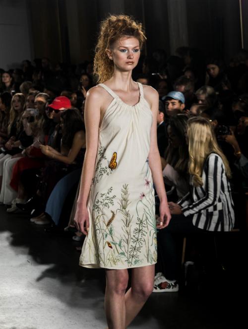 Các sản phẩm làm từ chất liệu linen được giới mộ điệu thời trang chọn lựa.