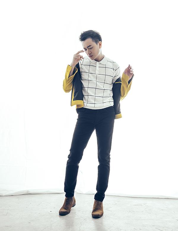 Đối với phái mạnh, nhiều món đồ như áo thun, jean, áo khoác dáng cơ bản tưởng chừng như nhàm chán vì quá quen thuộc. Nhưng chỉ cần thay đổi tông màu hay hoạ tiết sẽ mang tới nét chấm phá mới lạ.