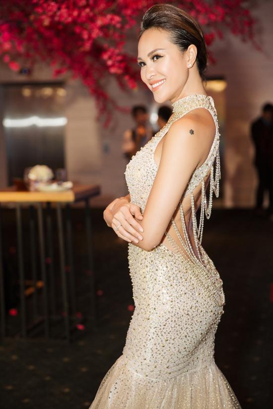 Vốn trung thành với hình tượng sexy, Phương Mai luôn biết cách chọn trang phục để thu hút sự chú ý của công chúng.