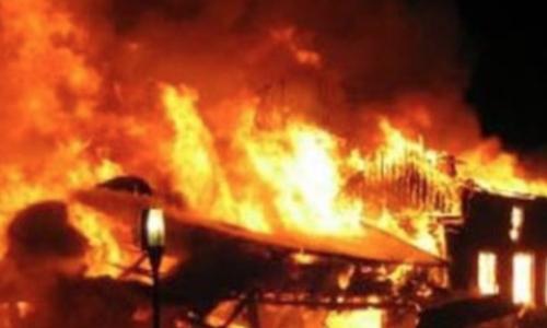 Người đàn ông ở Nghệ An đốt nhà vì cãi nhau với bố
