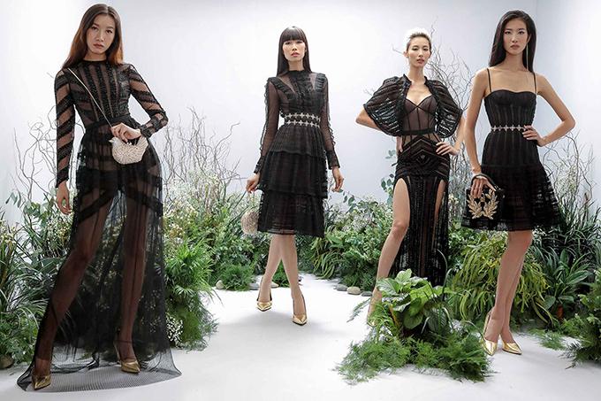 Váy trong suốt đồng điệu với trào lưu ăn diện của các ngôi sao thế giới được nhà thiết kế nhanh chóng áp dụng cho các thiết kế mới của mình.