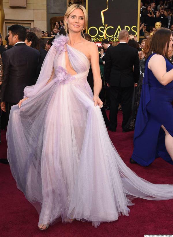 Siêu mẫu Đức, Heidi Klum từng khiến tín đồ thời trang khắp thế giới phải choáng ngợp vì vẻ đẹp lộng lẫy của cô trên thảm đỏ Oscar 2016.
