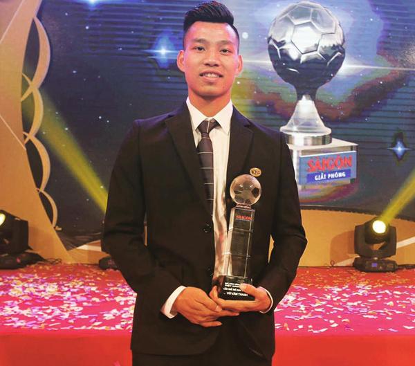 Phong cách chuẩn soái ca của cầu thủ U23 Việt Nam - 7
