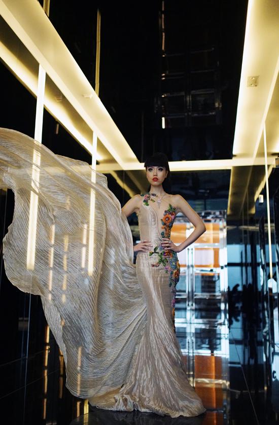 Siêu mẫu cũng bày tỏ, J Winter Fashion Show 2018 tại Hong Kong là sự kiện đầu tiên trong chuỗi 3 hoạt động lớn mà cô dự định sẽ thực hiện trong năm nay.