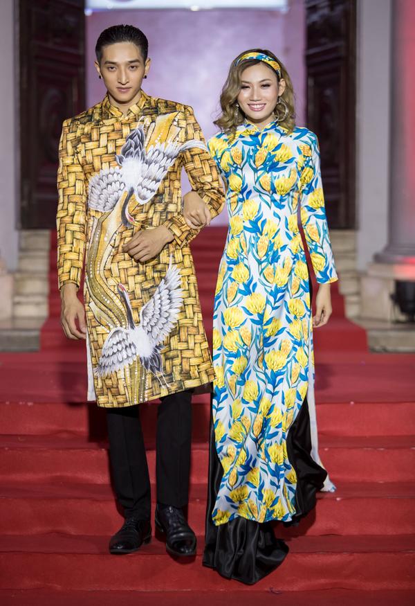 Một số thiết kế mang hơi hướng cổ điển đanglà trào lưuđược nhiều người ưa chuộng khi chọn áo dài.