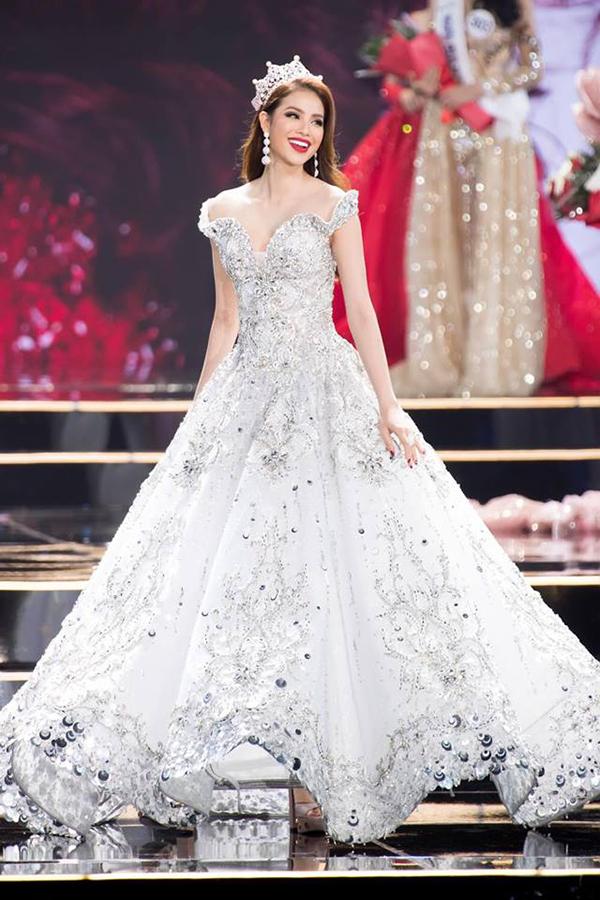 Sao Việt hâm nóng mốt váy đẹp như cổ tích - 2