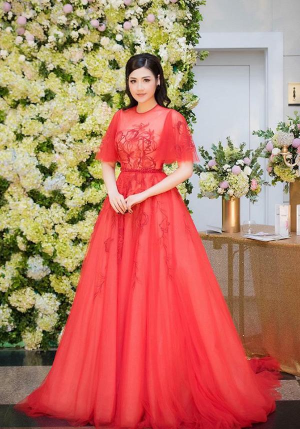 Sao Việt hâm nóng mốt váy đẹp như cổ tích - 7