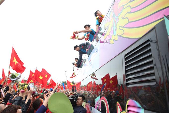 U23 Việt Nam được chào đón hân hoan chưa từng có - 11