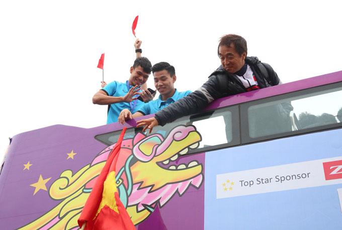 Văn Thanh, Xuân Mạnh giao lưu với fan.