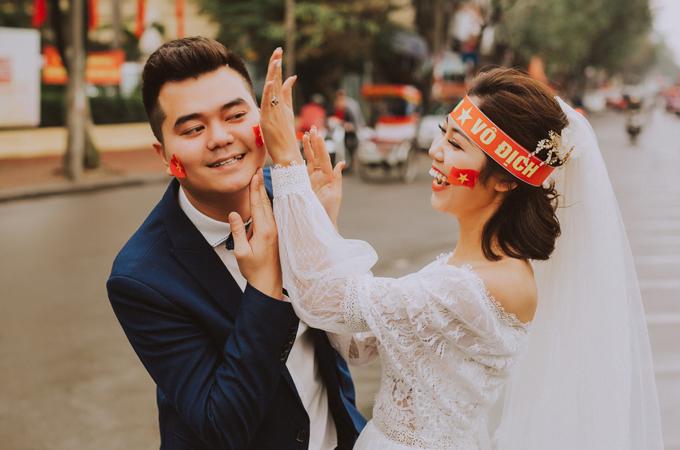 Bộ ảnh cưới chụp trong trận chung kết của U23 Việt Nam - 2