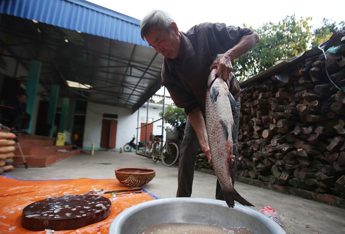 Ngày giáp Tết nhộn nhịp ở làng cá kho Vũ Đại