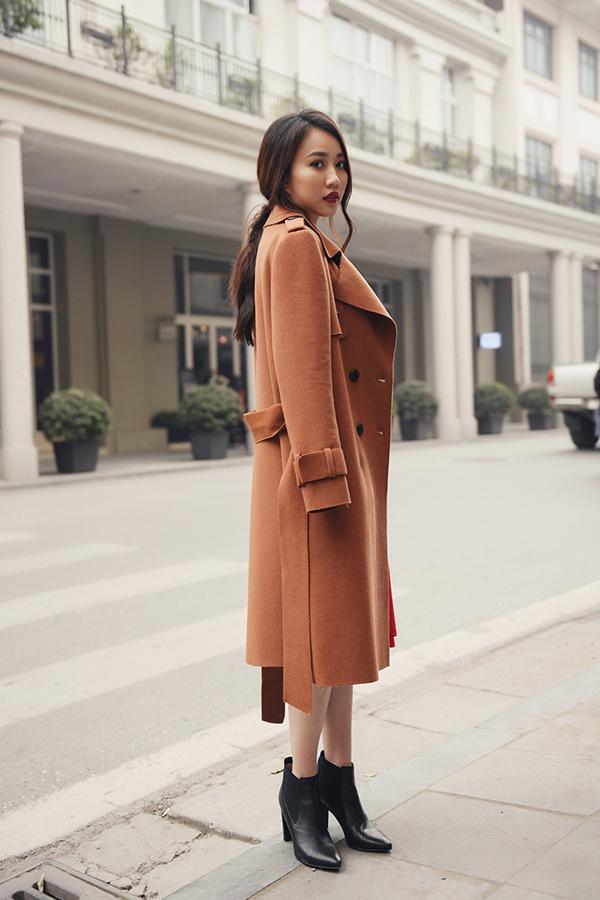 Bộ ảnh được thực hiện với sự hỗ trợ của nhiếp ảnh Ngọc Long, stylist Duy Nguyễn.