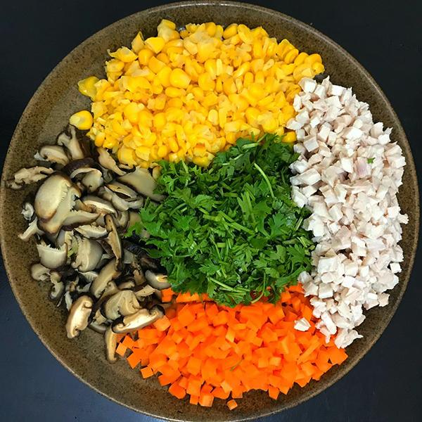 Súp gà ngô non bổ dưỡng dễ nấu - 1
