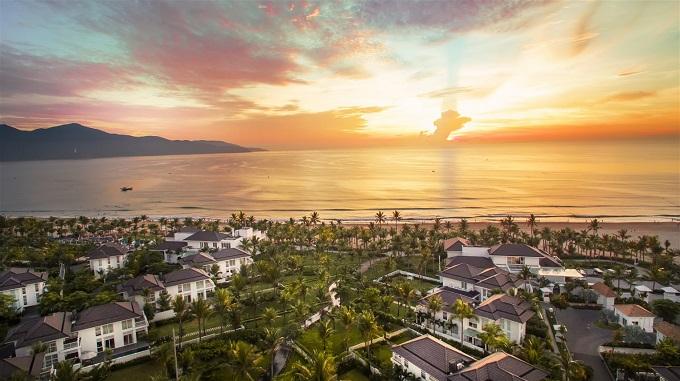 Vượt qua hàng triệu khách sạn, Premier Village Danang Resort của Tập đoàn Sun Group vừa giành ngôi vị thứ hai trong top 25 Khu nghỉ dưỡng tốt nhất Thế giới dành cho gia đình trong khuôn khổ giải thưởng Travellers Choice Award 2018 của TripAdvisor - trang web du lịch nổi tiếng toàn cầu.